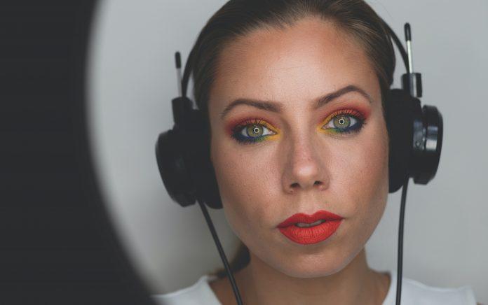 watercolor eye make-up